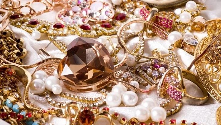 Как ухаживать за драгоценными камнями
